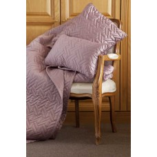 Belledorm Valencia Mulberry Throw - Bed Runner and Cushions
