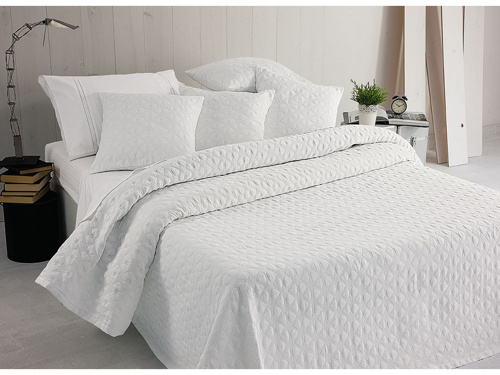 Elainer Hearts White Bedspreads and Pillowsham