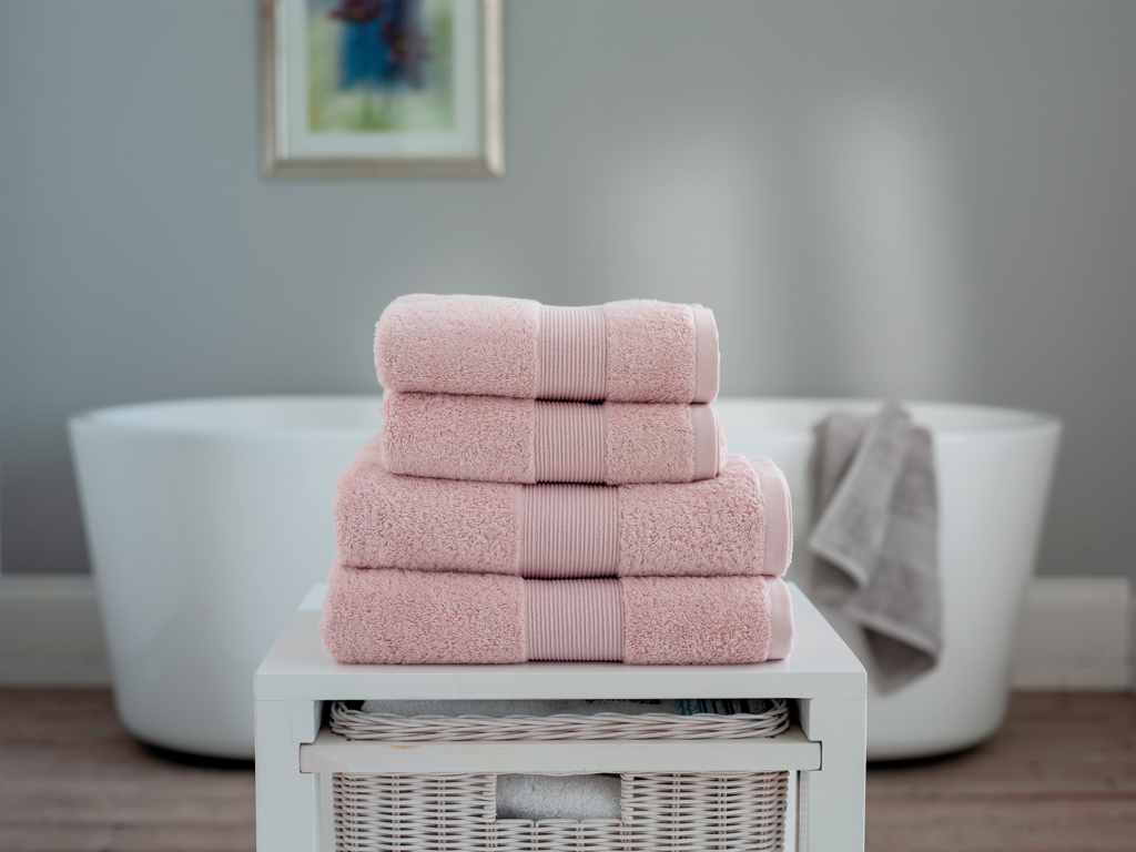 The Lyndon Company Cleopatra Egyptian Cotton Pink Towels