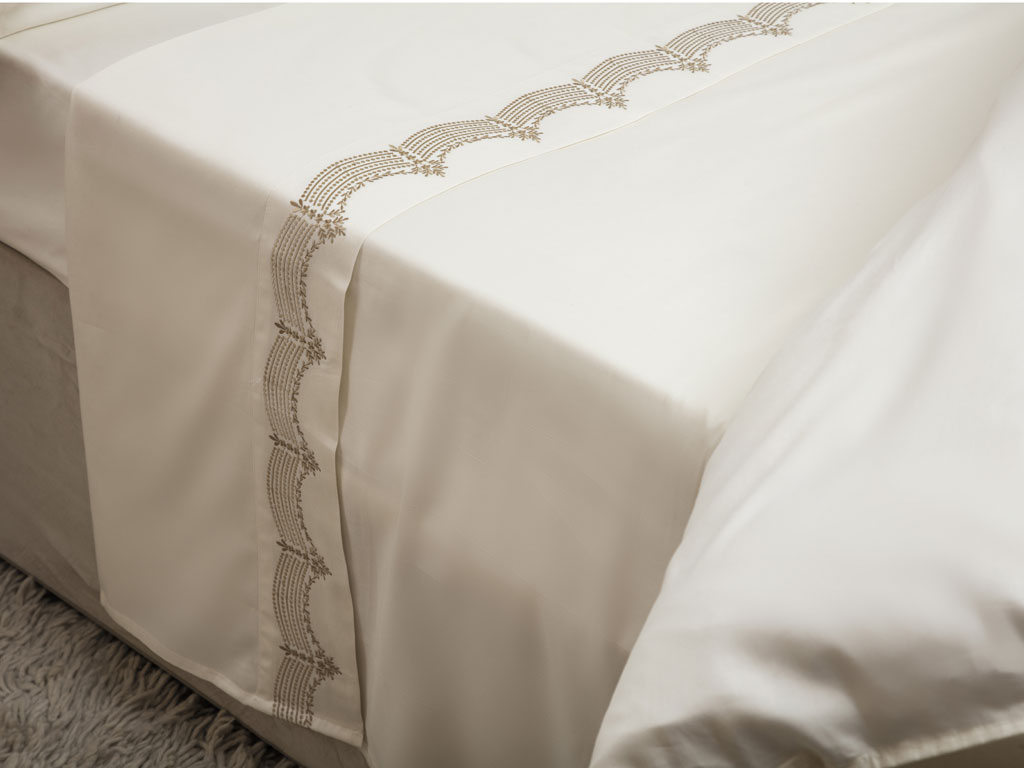 Maison Blanche Annaya Gold Embroidered Flat Sheets