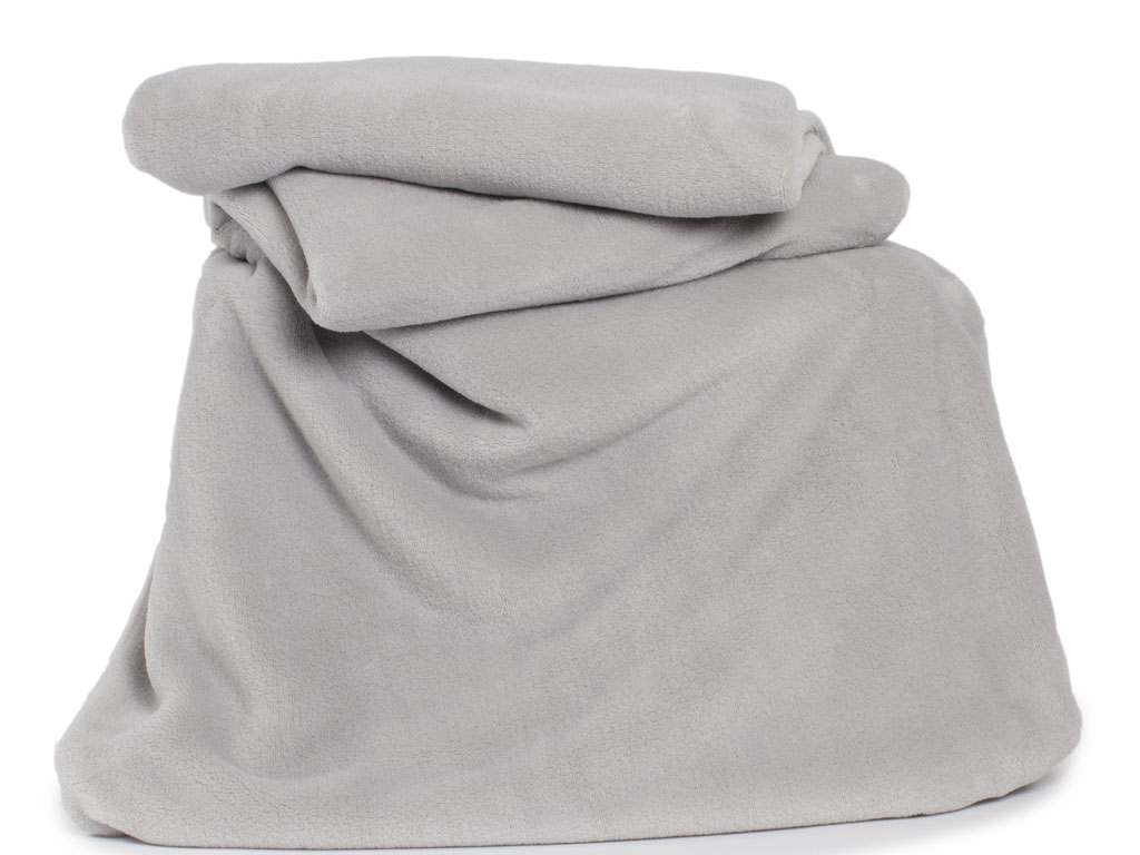 Deyongs 1846 Large Snuggle Touch Silver Throw