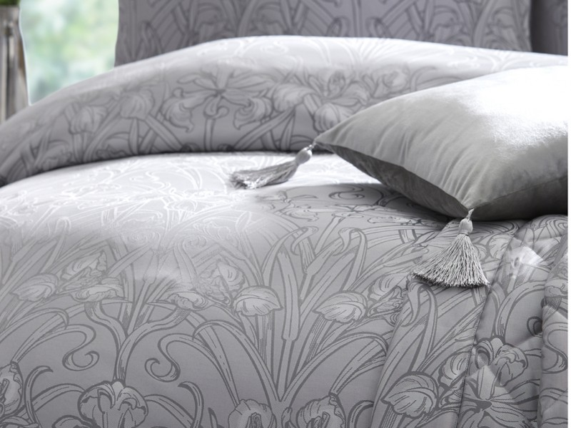 Laurence Llewelyn-Bowen New Silver Iris Duvet Cover Sets