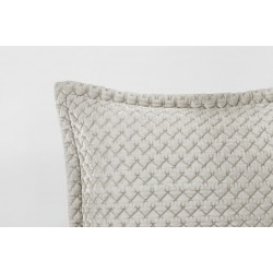 Sheridan Dupas Wicker Throw and Coordinates